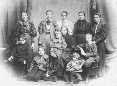 From left to right, from top to bottom: Margaret Taylor, Ethel L. Voynich, Alicia Boole Stott, Lucy E. Boole, Mary E. Hinton, Julian Taylor, Mary Stott, Mary Everest Boole, George Hinton, Geoffrey Ingram Taylor, Leonard Stott.