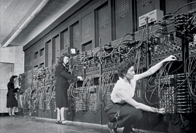 Jean Jennings (left), Marlyn Wescoff (center), and Ruth Lichterman program ENIAC at the University of Pennsylvania, circa 1946. Photo: Corbis