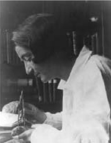 Tilly Edinger (Photo,Museum of Comparative Zoology, Harvard University, Cambridge, MA)