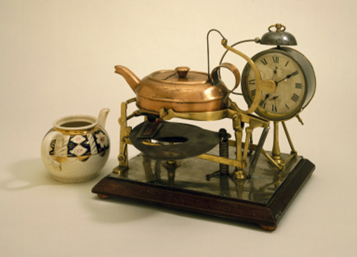 Auttomatic Tea-Making Machine built by Albert E Richardson, a clockmaker from Ashton-under-Lyne, Lancashire. (Image: Science Museum)
