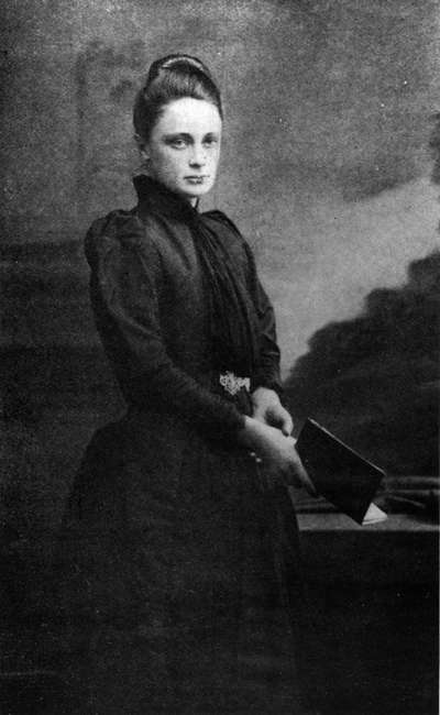 Margaret Benson in 1893, aged 28 -- one year before she embarked on her first trip to Egypt. Photo by J. Thompson, from 'The Life and Letters of Maggie Benson' by A.C. Benson (1917). Image source: http://upload.wikimedia.org/wikipedia/commons/3/3d/Margaret_Benson.jpg