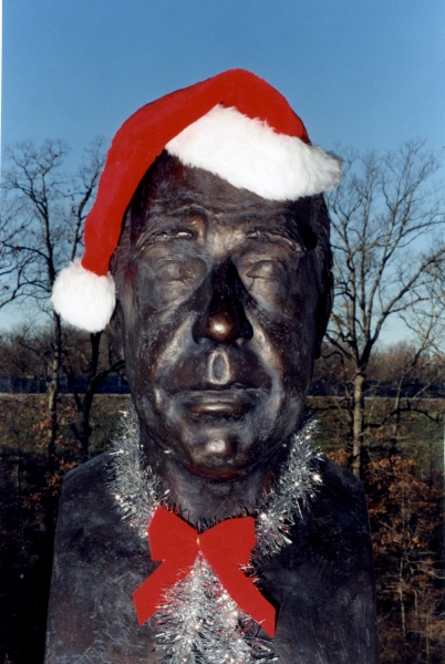 Our Niels Bohr statue in the reading room looking festive.