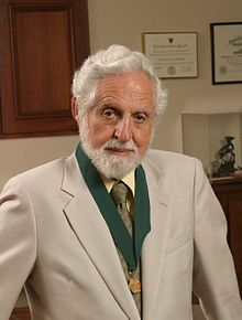 Carl Djerassi, recipient of the AIC Gold Medal, 2004  Source: Wikimedia Commons