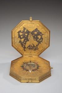 Astrolabe-200x300