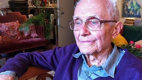 Gustav Born is one of the last living links with the refugee scientists Source: BBC News