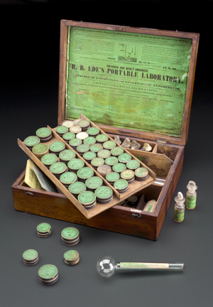Some of the earliest sets came in mahogany cases and were very expensive © Science Museum, London, Wellcome Images