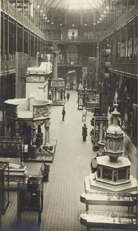 The Grand Gallery of the National Museum of Scotland in 1932.