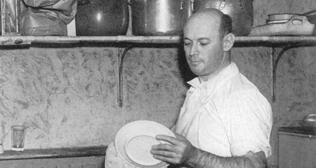 With some help from Science News Letter (the precursor to Science News), a restaurant dishwasher named Rudi Mandl persuaded Einstein to explore the phenomenon of gravitational lensing.