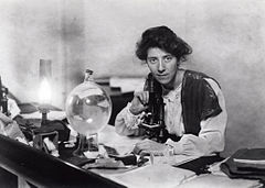 Marie Stopes in her laboratory, 1904 Source: Wikimedia Commons