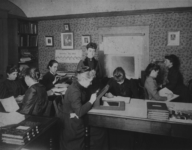 Early photo of 'Pickering's Harem', as the group of women computers assembled by Harvard astronomer Edward Charles Pickering was dubbed. The group included Leavitt, Annie Jump Cannon, Williamina Fleming and Antonia Maury Source: Wikimedia Commons