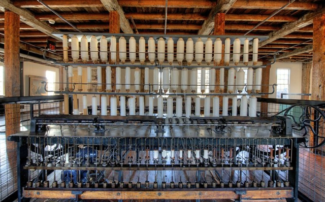 A spinning frame at Slater Mill. (Photo: Bestbudbrian/WikiCommons CC BY-SA 3.0)