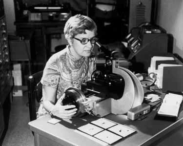 Vera Rubin measuring spectra, c. 1970