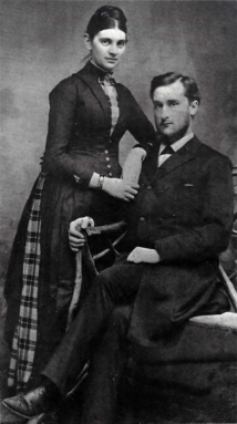 Dubois & wife Anna, Source: Wikipedia Commons