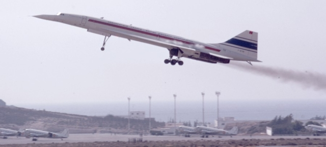 Concorde 001 taking off on its eclipse mission. Photo: Jim Lesurf