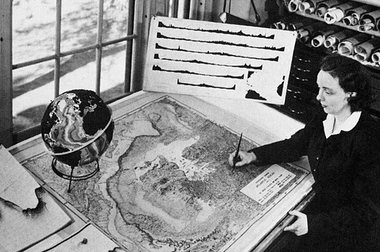 Marie Tharp at work on her maps of the Atlantic Ocean floor, in the early 1950s. Photograph: Alamy