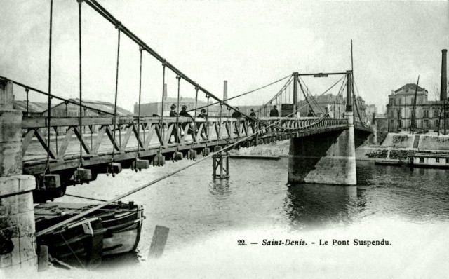 Suspension Bridge over the river Seine connecting Saint-Denis and l'Île Saint-Denis, constructed in 1844 by Marc Seguin and his brothers