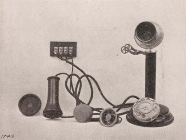 A picture of a table telephone from 1912