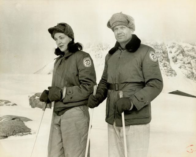 Jackie Ronne and her husband Finn on skis in Antarctica during an expedition from 1946-1948. Credit: Ronne Antarctic Research Expedition