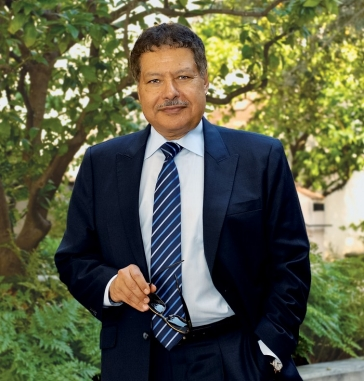 Zewail is pictured here on the Caltech campus in 2011. Credit: Mitch Jacoby/C&EN