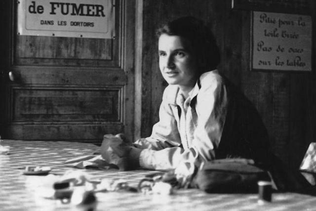Rosalind Franklin in Paris. Courtesy Vittorio Luzzati.