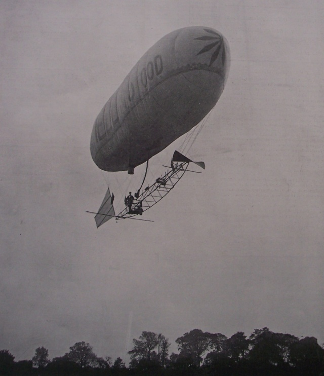 1902 picture of a private airship flown from Crystal Palace to Ealing. Jonathan Roberts' collection.