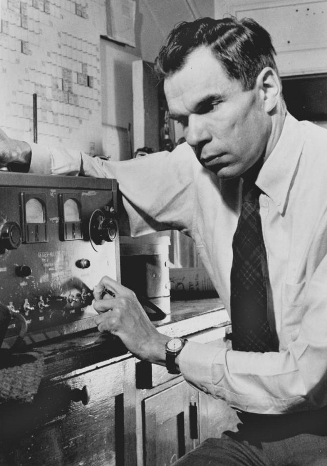 Glenn T. Seaborg in 1942, adjusting a Geiger counter. Courtesy Ernest Orlando Lawrence Berkeley National Laboratory. Courtesy Ernest Orlando Lawrence Berkeley National Laboratory.