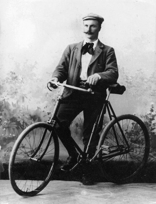 Apparently as a young man, Nobel laureate Gustaf Dalén-b. 30 November 1869-was a bit of a hipster – Ben Gross (@bhgross)