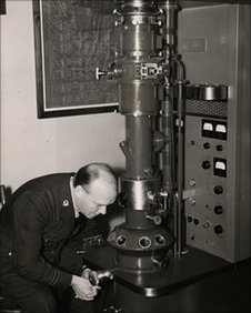 Astbury experiments with his electron microscope