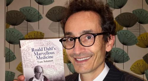 prof-tom-solomon-and-roald-dahl-book_0_0