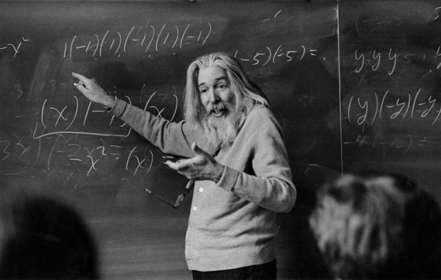 Raymond Smullyan, who died this past week, taught math and philosophy at Lehman College in the Bronx in the 1970s. Eddie Hausner/The New York Times