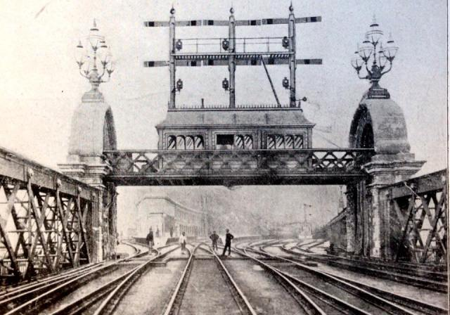 The original signal box at Charing Cross Station, 1864 – h/t David Turner (@TurnipRail)